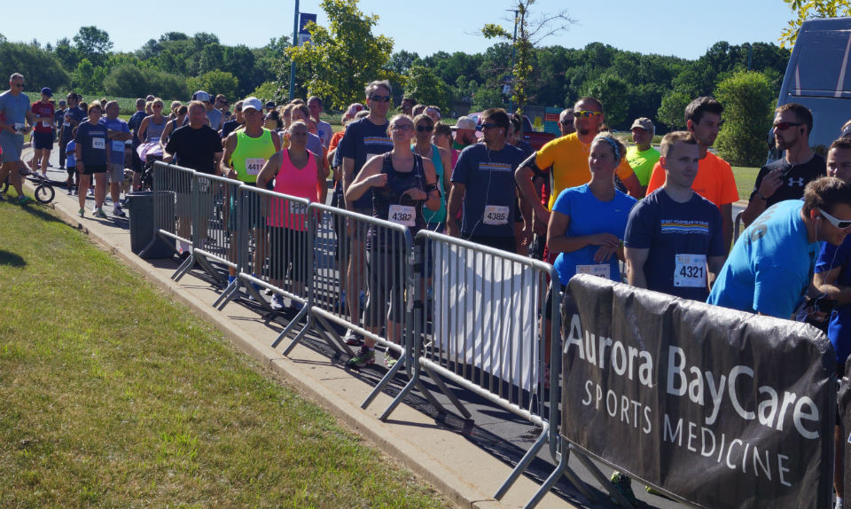 300 to run, walk for colon cancer awareness
