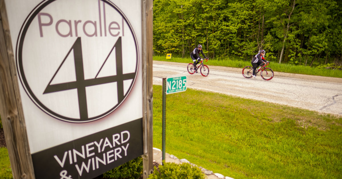 Parallel 44 Vineyard & Winery sign